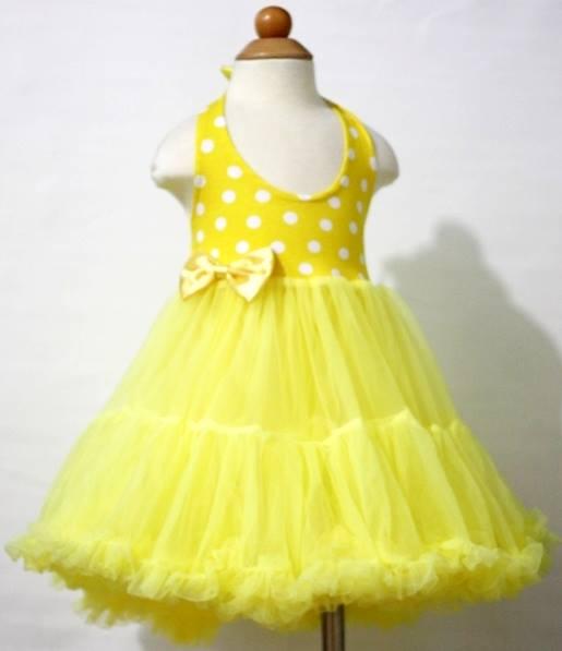 8a6574b5ccb7 PETTI šaty. farba žltá